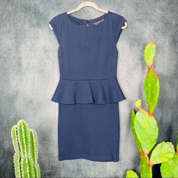 Alice + Olivia Dresses & Skirts - 🌵Alice + Olivia Victoria Peplum Dress, Navy 6